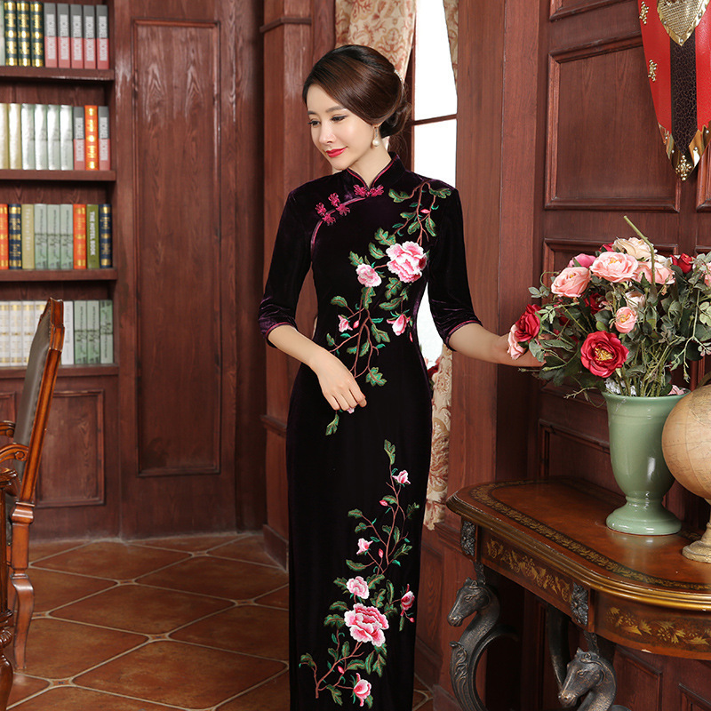 2019 Velvet Mom Vintage Cheongsam Design Wedding Gowns Modern Qipao Traditional Chinese Oriental Dresses Long Embroidery Dress
