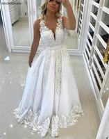 2019 Plus Size Luxurious Women Lace Wedding Dresses Pearls Sashes Sleeveless Lace Bridal Gowns Open Back Wedding Gowns