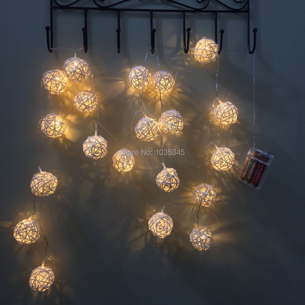 Indoor christmas lights for bedroom - 5cm Big 20 Rattan Ball Lights String Battery Garland Fairy Lights For Home Wedding Patio Indoor