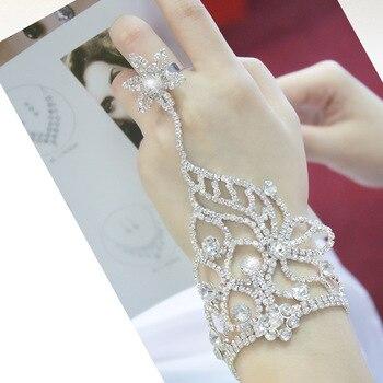 2016 new Korean fashion crystal bracelet bridal hand chain wedding jewelry for brides pageant bracelet Шорты
