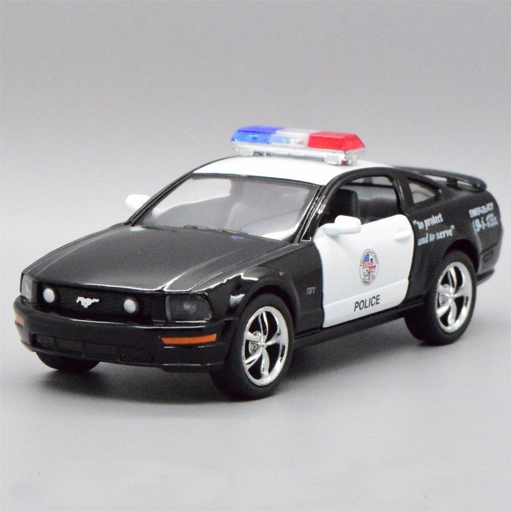 Новый 1:38 Ford Mustang 2006 GT полиции сплава литья под давлением модели автомобиля с отступить игрушки коллекция как Подарок для мальчика игрушки
