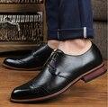 VENTA CALIENTE de los hombres zapatos de los hombres de negocios oxford zapatos de los hombres de cuero genuino zapatos planos Inglaterra zapatos de cuero de los hombres formales de la boda 696