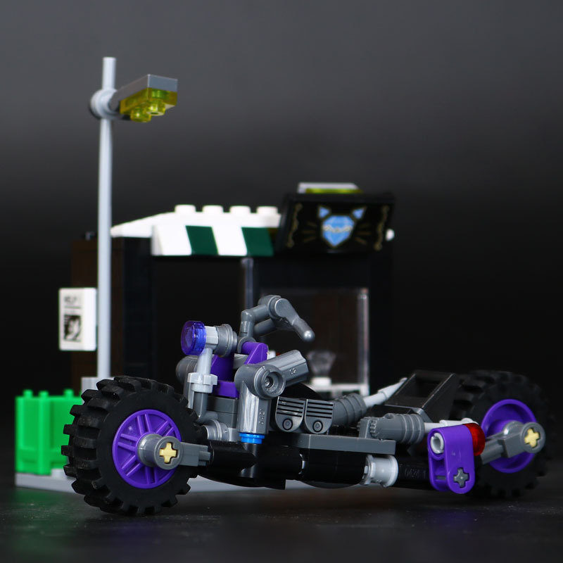 Lepin 07058 Marvelly Avengers Super Heroes Batman Movie The Catwoman Motorcycle Chase Building Blocks Bricks Toys For Kids