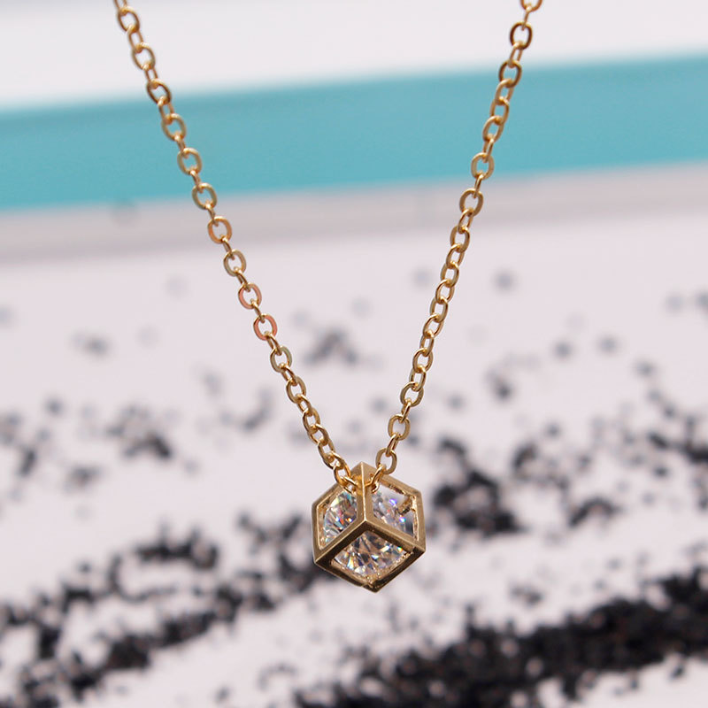 Fashion Square Crystal Pendant Clavicle Chain Necklace Statement Women Simple Short Choker Necklaces in Pendant Necklaces from Jewelry Accessories