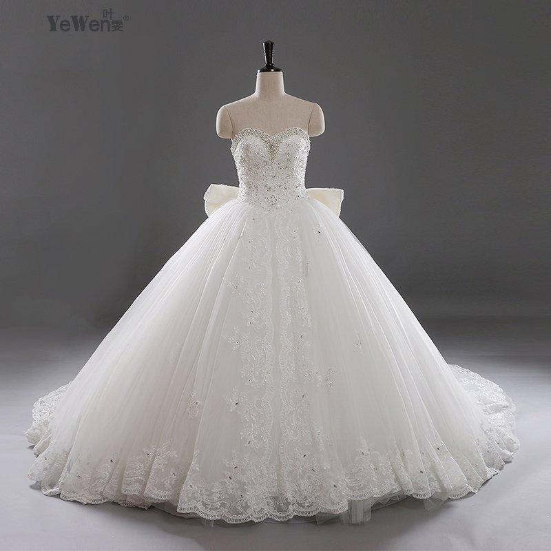 aliexpresscom buy 1m train real sample wedding dresses ball gown bown sweetheart long tailing lace wedding dress vestido de casamento 2016 from reliable