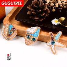 GUGUTREE embroidery beaded seastar patches shell badges applique for clothing SK-9