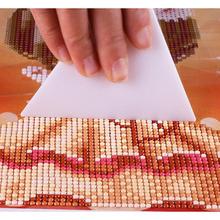Naprawiono narzędzie do majsterkowania malowanie diamentowe narzędzia do haftu krzyżykowego akcesoria do haftu diamentowego o dużej pojemności zestaw do malowania diamentami a07 tanie tanio Żywica Plac TAKEWEALTH Europa Pełna Paper bag 30-45 Zwinięte Pojedyncze Diamond painting tool