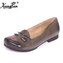 Xiangban women flat shoes sheepskin handmade loafers female square toe shallow mouth 2018 spring