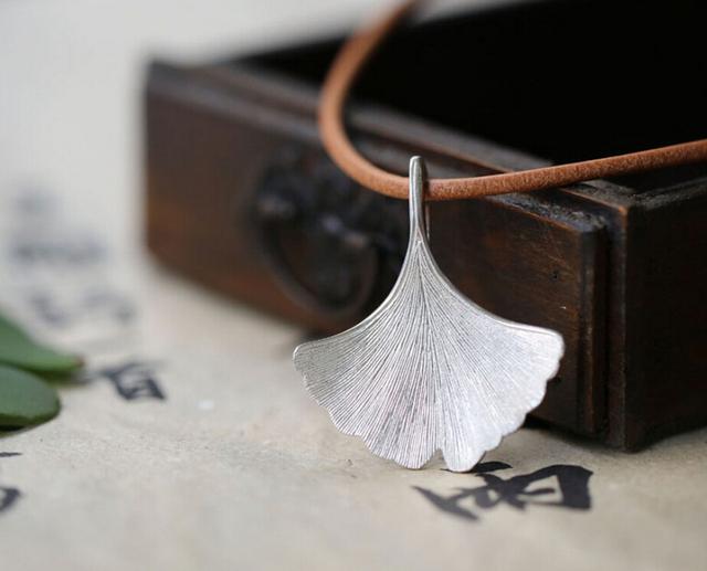 Uno de una especie de ley 925 collar de plata de la personalidad creativa forestal único ginkgo hoja de diseño original hecho a mano joyería