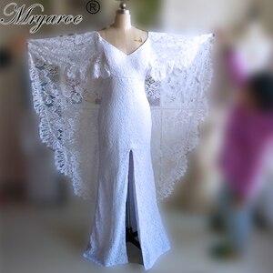 Image 1 - Mryarce nowe unikalne francuskie koronkowe suknie ślubne w stylu boho bez pleców przednia szczelina boho chic suknie ślubne z peleryną