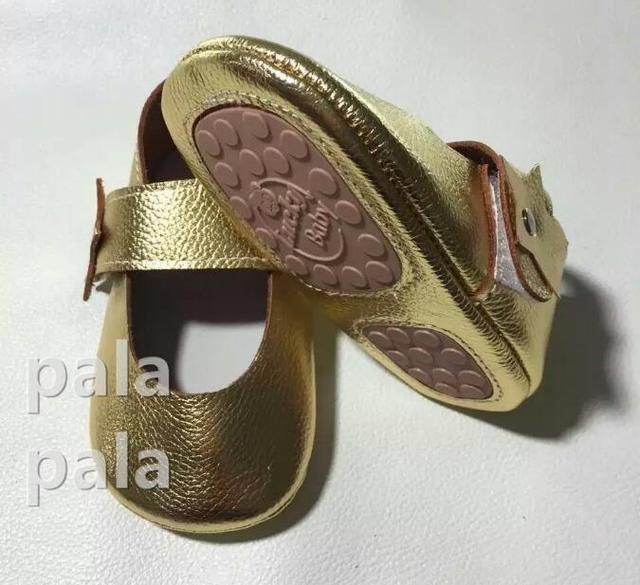Porpular marry jane flor de la estrella de cuero Genuino suela de goma Calado Prewalker Primer Caminante del bebé Zapatos de Los Niños