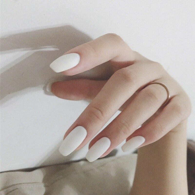 24 pièces faux ongles avec de la colle blanc gommage givré mat moyen Long faux ongles couleur unie faux ongles faux ongles embouts complets