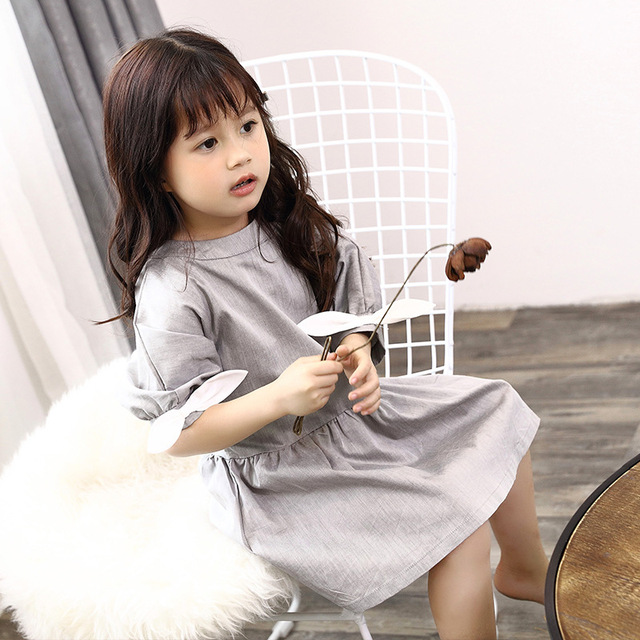 2019 Family Matching Outfits Mother White Dress Daughter Grey Dresses Father son T shirts Blouse Family Vacation Clothes D1 10 4