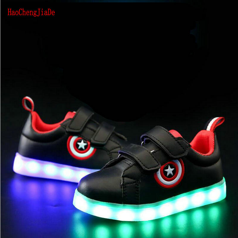 все цены на Captain America Children Glowing Shoes Led luminous Sneakers Boys Girls USB Charging Sport Light Casual Shoes For Kids Sneakers онлайн