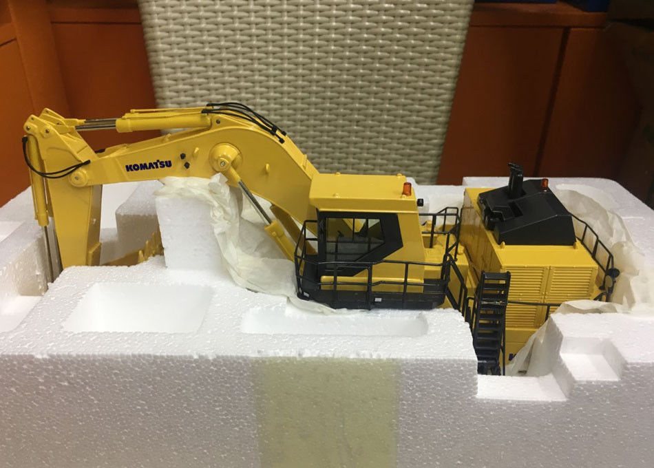 Rare NZG Komatsu PC2000-8 Backhoe Excavator 1:50 Scale Die-Cast Metal Model 7621 цена