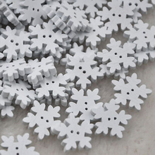 2016 New 100PCs 17.5mm White Christmas Snowflake Wooden Buttons Fit Sewing and Scrapbook DIY Wedding Decoration(China)