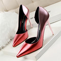 De Calidad superior Pendiente Del Club Tacones Altos Zapatos de Boda Mujeres Bombas Desnudas Sandalias Atractivas Del Dedo Del Pie Puntiagudo Tacón Alto Zapatos Chaussure Femme