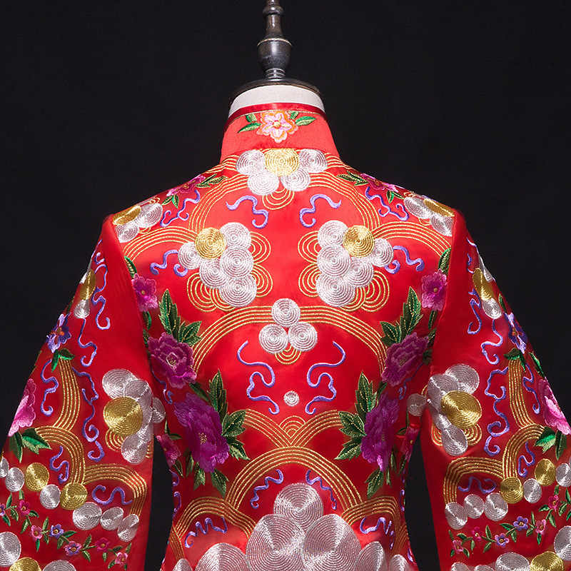 Vintage Red Bride Marry Dress embroidered cheong-sam royal palace Wedding costume Traditional Chinese Female Wedding Gown Dress