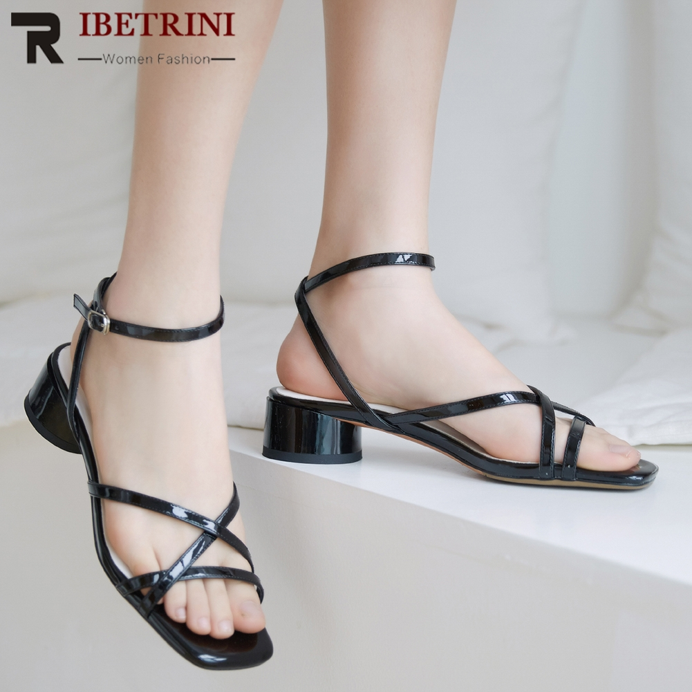 RIBETRINI New Hot Cow Leather Sandals 2019 Chunky Heels Buckle Strap Concise Shoes Woman Sandals Female 3 Colors Woman ShoesRIBETRINI New Hot Cow Leather Sandals 2019 Chunky Heels Buckle Strap Concise Shoes Woman Sandals Female 3 Colors Woman Shoes
