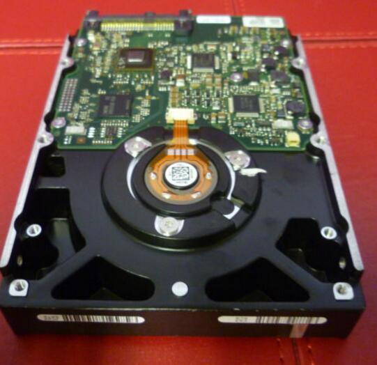 все цены на 40K1049 39R7360 26K5847 73.4GB 15K SAS 3.5 Server Hard Disk one year warranty онлайн