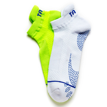 1 pair TAAN Anti-sthking Mens Sport Socks for Badminton Table Tennis Antimicrobial Fabric Mans Breathable T-347