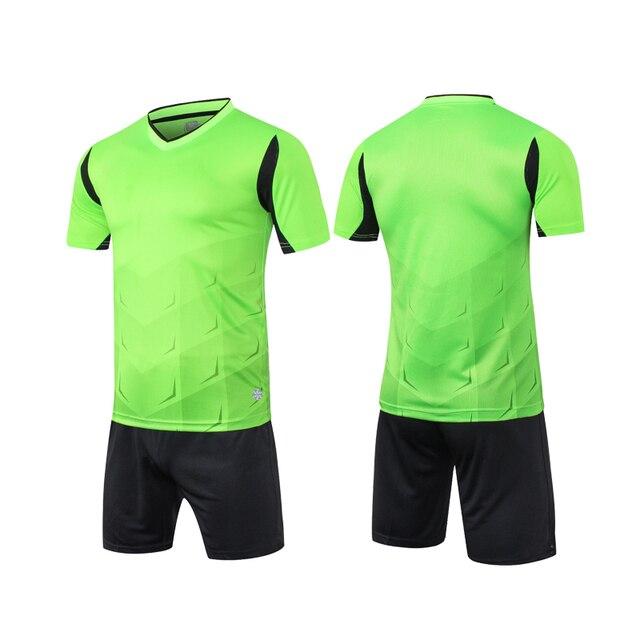 Vigilancia Fútbol 2017 Nuevo transpirable hombre blanco fútbol conjuntos  del entrenamiento de fútbol uniformes rápidos secos 23df8683d2b4e