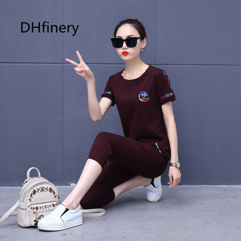 Round neck print casual sportswear two piece women s short sleeved shirt Cropped trouser loose cotton