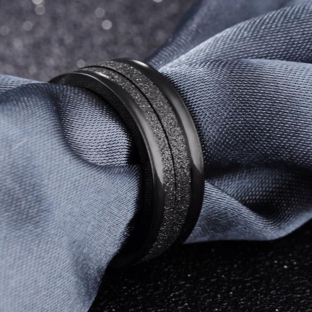 Купить модное простое мужское кольцо черного цвета 4 мм из нержавеющей
