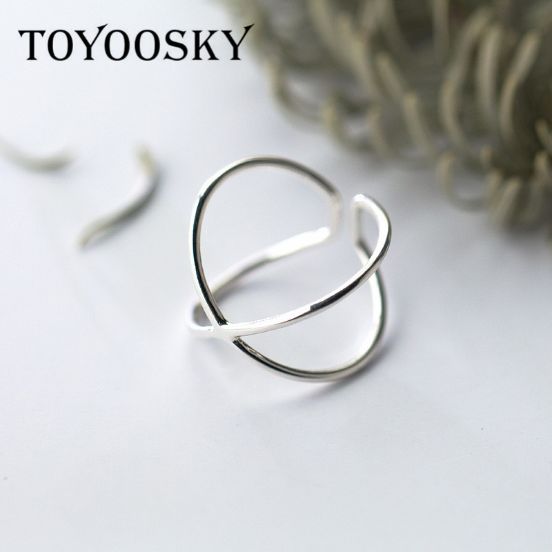 TOYOOSKY 925 Sterling Silver Double Line Otwory Pierścionki Elegant Cross Ring Jewelry na Anniversary Adjustable