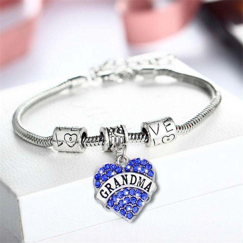 El mejor regalo familiar Infinity Love Grandma Crystal Heart Pendant Charm Bracelet para mujeres Retro Silver Snake Chain Bracelets Brazaletes