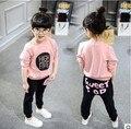 Primavera e no outono novo terno do bebê bonito 2 PCS conjunto de pano crianças pano terno do bebê camiseta roupa da menina + calças de alta qualidade