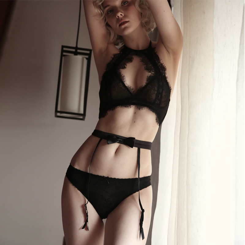 Sexy Lace   Bra     Set   Women Halter Lingerie bralette hollow out underwear Transparent seamless thin underwear Soft Fashion Lingerie