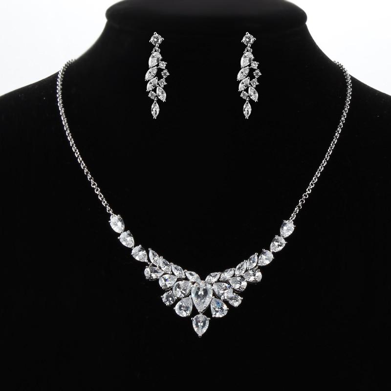 Alta Calidad Shinning Cubic Zirconia Crystal Zircon Collar y Pendiente Conjunto