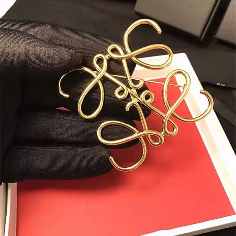 Spanish Show Star Geometry Square Hollow Brooch Symmetrical Brooch Ladies Suit Pin Accessories 2