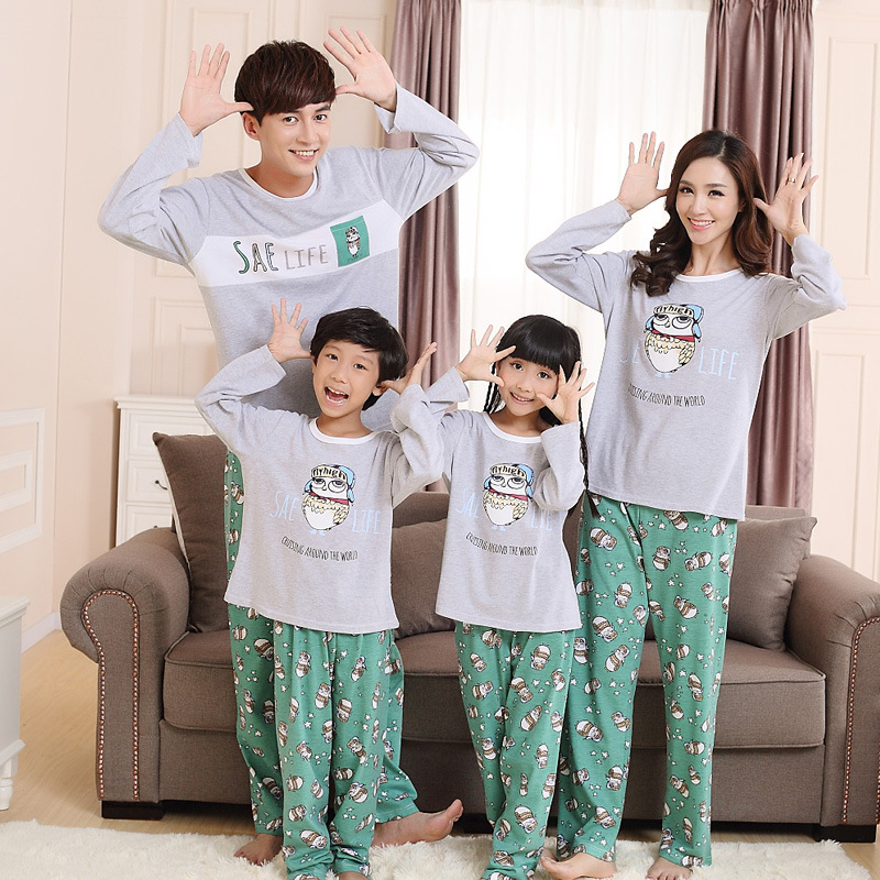 family matching clothes christmas pajamas girl boy family look pyjama noel famille pijama. Black Bedroom Furniture Sets. Home Design Ideas