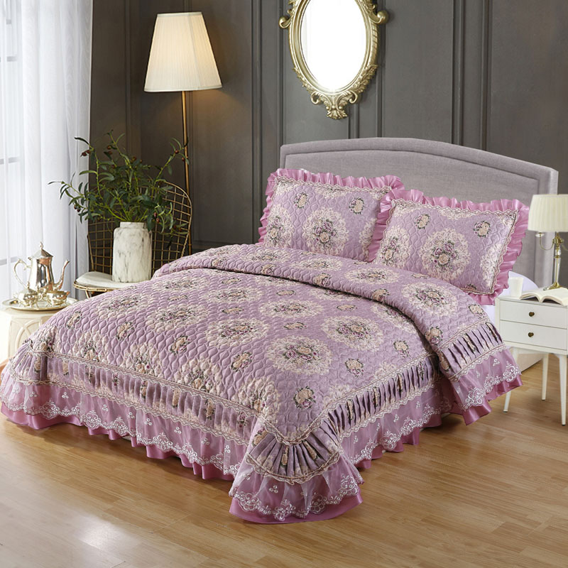 Purple Red Pink Beige Luxury European Jacquard Lace edge Thick Blanket Tatami Mat Bedspread Bed sheet Bed Linen Pillowcases 3pcsPurple Red Pink Beige Luxury European Jacquard Lace edge Thick Blanket Tatami Mat Bedspread Bed sheet Bed Linen Pillowcases 3pcs