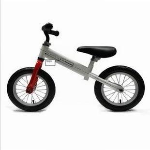 Equilibrio del coche sin pedal de bicicleta taxi andador