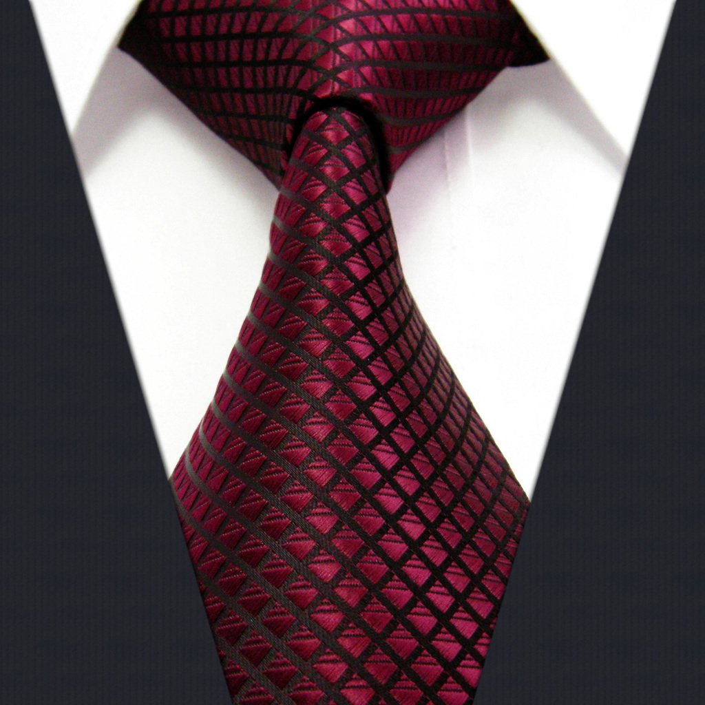 Brooks Brothers' collection of men's ties and bow ties are made in the USA of the finest silk, cotton and wool from Italy and England. Our traditional styles pair perfectly with a business suit and dress shirt, while our slim ties are ideal for a more fashion-forward wardrobe.