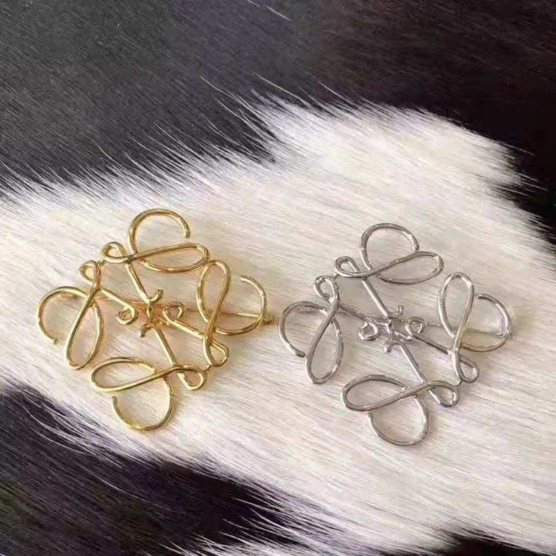 Spanish Show Star Geometry Square Hollow Brooch Symmetrical Brooch Ladies Suit Pin Accessories 3