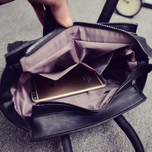 Summer Small Women Handbags 2017 Famous Designer Brand Women Messenger Bags Smile Face Lady Purse Tote Handbags Crossbody Bags