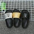 2016 Verão Quente Novas Crianças Sapatos de Couro Sandálias Flats Sapatos Chinelo Meninos Meninas Casual Soft-sola de Chinelos de Praia casa