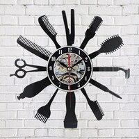 Kreatywny Vinyl Zegar Ścienny Pomysł Na Prezent dla Fryzjera Fryzjer Fryzjer Włosów Uroda Salo Art Decor Zegar Modne Wzornictwo