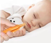 DHL 2000pcs opieka nad dzieckiem ucho nos pępek do czyszczenia pępka bezpieczeństwa kleszcze plastikowe Cleaner klip ucho strzykawka tanie tanio 0-3 miesięcy Z tworzywa sztucznego aby Clean Tweezers Babies Ear Care piece 10007483 0 0071