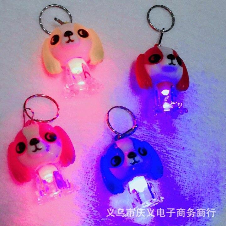 500 pièces 2019 nouveau porte-clés brillant créatif clignotant chien pendentif LED chien porte-clés porte-clés