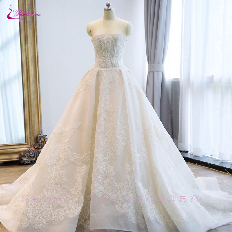 Waulizane Vintage Embroidery Tulle Ball Gown Luxury Beading Pearls Appliques Court Train Strapless Sleeveless Wedding Dresses