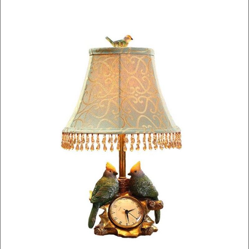 Винтаж Ретро Европейский смолы Товары для птиц Настольная лампа с часами для Гостиная Сп ...
