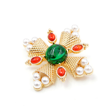 CINDY XIANG New Arrival 2018 Fashion Pearl Baroque Brooches Pin Cross Brooches for Women Coat Accessories Vintage Jewelry Gift