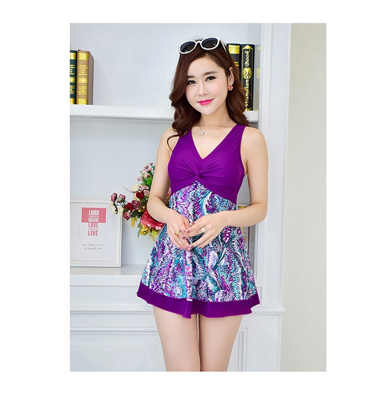Free shipping hot spring print swimsuit dress one piece swimwear skirted bathing suits plus size beach wear 6XL one piece swimsuit cheap sexy bathing suits may beach girls plus size swimwear 2017 new korean shiny lace halter badpakken