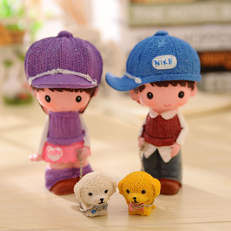 2pcs/set Sweater Doll Crafts Creative Gifts Room Decoration Couple walking the dog Car Ornaments Toys Gift for children kids
