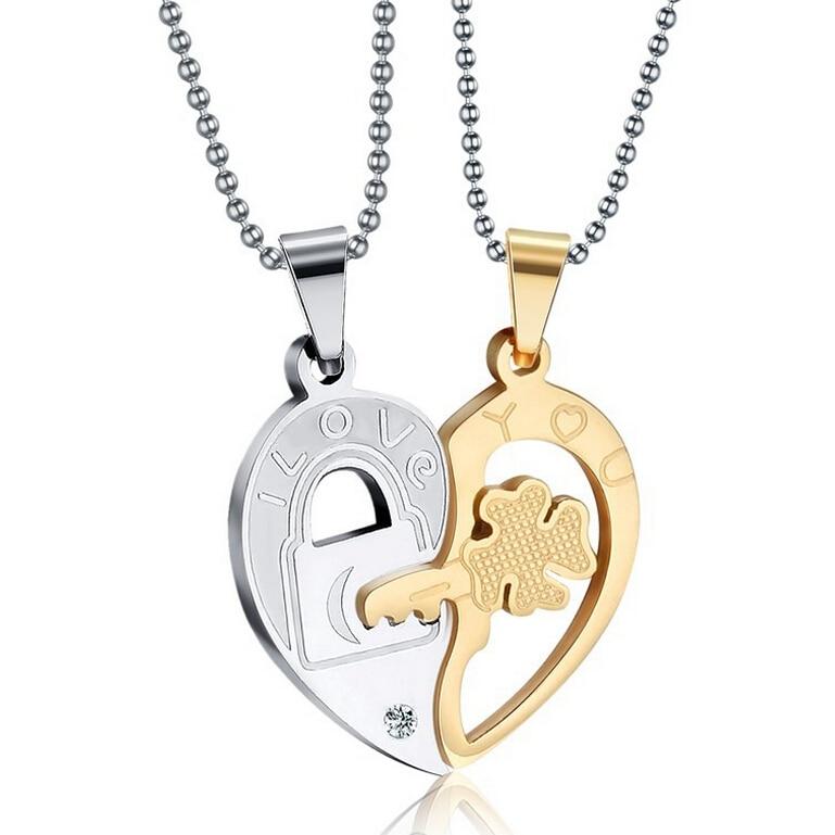 Fashion Accessories Jewelry Gift Titanium Two Half Heart Puzzle Pendant Lovers Couple Pendant Necklace for Men Women